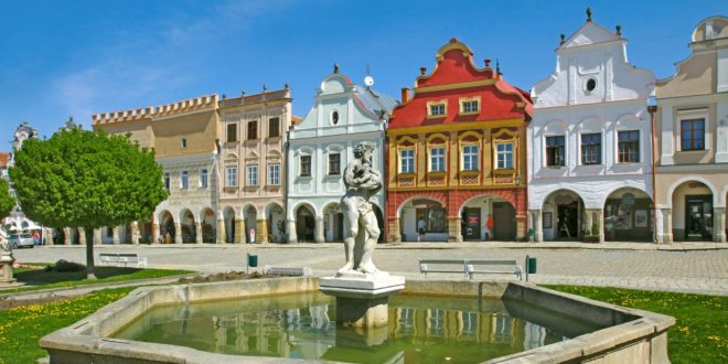 Old Houses, Telc